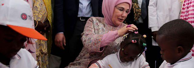 First Lady Erdoğan visits Pikine Social Pediatrics Institute in Senegal