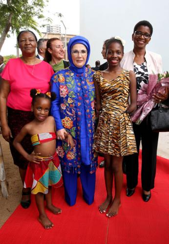 "First Lady: ""Despite our geographical distance from Africa, our hearts are one and united"""