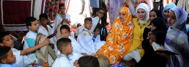 Première Dame Erdoğan Visite l'École de Filles de la Fondation Maarif de Turquie