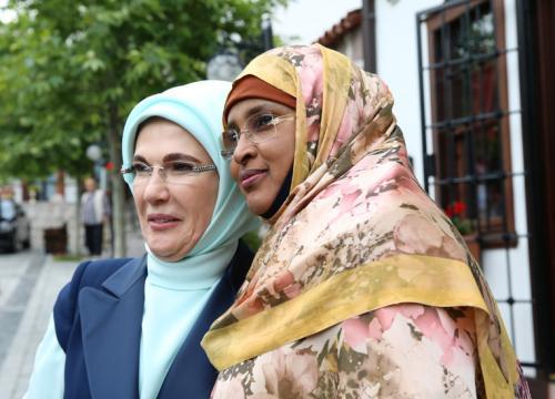Emine Erdoğan, Afrika El Sanatları Pazarı ve Kültür Evi'nin Açılış Törenine Katıldı