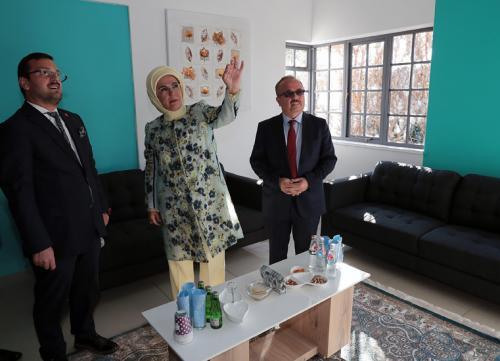 Emine Erdoğan, TİKA tarafından yapılan kütüphane ile Maarif Vakfı Güney Afrika Merkez Ofisi'nin açılışlarını gerçekleştirdi